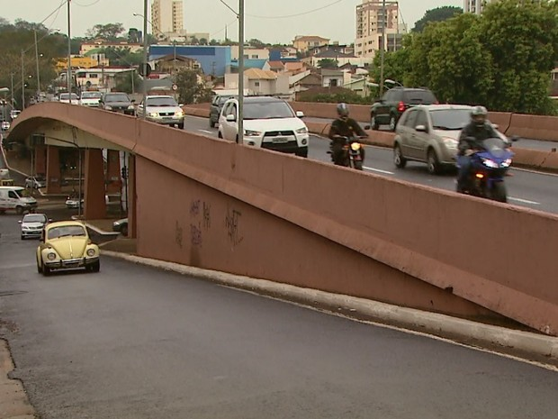 Viaduto José Sarney passará a ser chamar Jandyra de Camargo Moquenco (Foto: César Tadeu/EPTV)