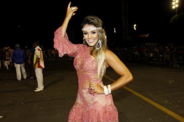 Fabiana Teixiera no ensaio técnico do carnaval de SP (Foto: Celso Tavares/EGO)