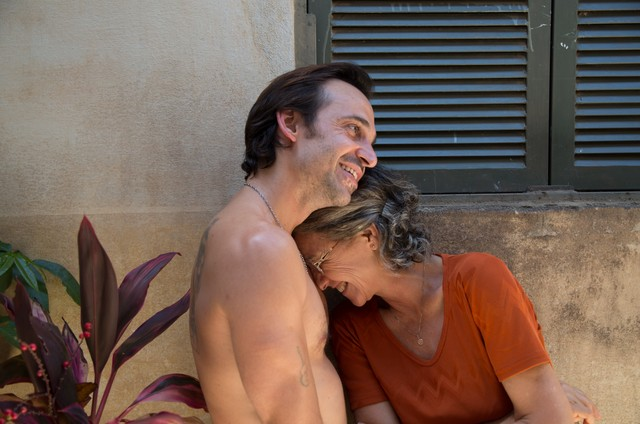 Julio Andrade e Cássia Kis (Foto: Lucas Villamarim)