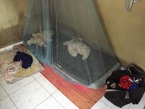 Trabalhadores em mantidos em local insalubre, segundo a SETRE (Foto: Divulgação / Setre)