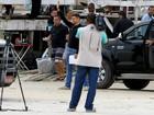 Cauã Reymond e Murilo Benício se divertem em gravação de 'Avenida Brasil'