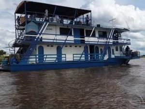 Barco-hotel que naufragou em MS tinha 16 brasileiros e 11 paraguaios (Foto: Reprodução/Tv Morena)