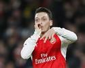 """Contrato de Özil com o Arsenal tem cláusula para """"evitar"""" o Barcelona"""