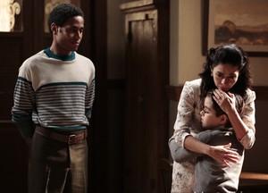 Será que Laura vai ceder aos apelos do filho? (Foto: Felipe Monteiro/TV Globo)