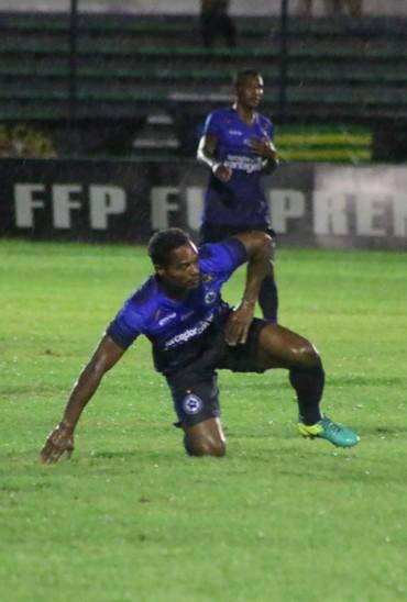 Fabiano, atacante do Parnahyba (Foto: Renan Morais/GloboEsporte.com)