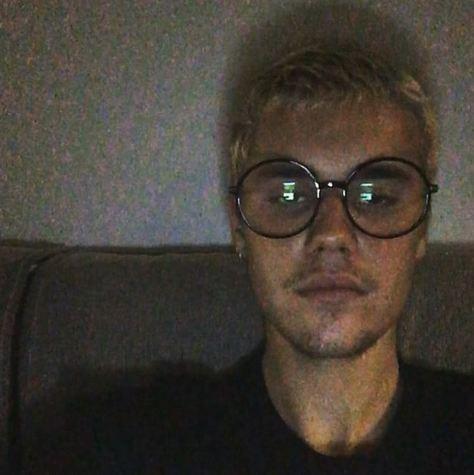 Os óculos arredondados de Justin Bieber (Foto: Reprodução/Instagram)