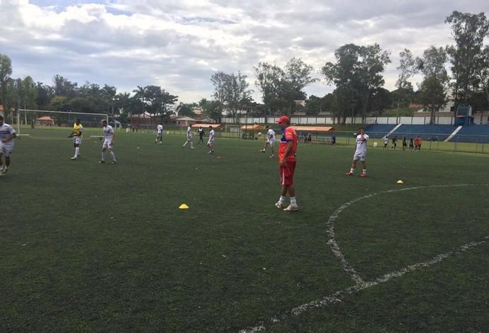 CAP Uberlândia treina na Toca da Raposa 2, em Belo Horizonte (Foto: CAP Uberlândia/Divulgação)