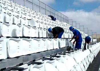 cadeiras das arquibancadas provisórias da Arena Corinthians sendo retiradas (Foto: Divulgação)