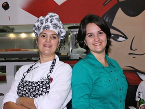 Gêmeas Ana Cláudia  e Ana Cristina Galotta trabalham juntas  (Foto: Leandro Tapajós/G1 AM)