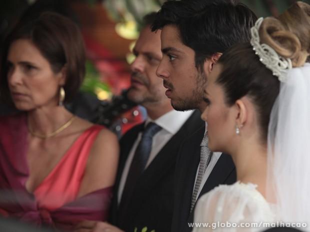 Climão! Será que essa casamento vai rolar?? (Foto: Malhação / Tv Globo)
