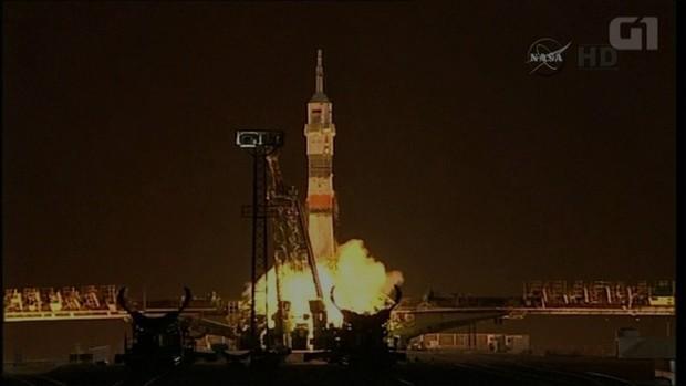 Soyuz decola rumo à Estação Espacial com três astronautas a bordo (Foto: Foto: Reprodução/Nasa)