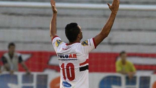 Otacílio Neto comemora gol do Botafogo-SP diante do Guarani (Foto: Rogério Moroti / Botafogo FC)