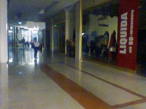 Ala de um dos shoppings de Salvador (Foto: Lílian Marques/ G1)