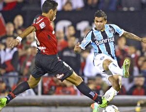 Dudu jogo Grêmio e Newell's Old Boys  (Foto: AFP)