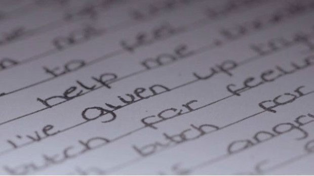 Diário revela que Sara era obcecada por suicídio  (Foto: Arquivo pessoal/BBC)