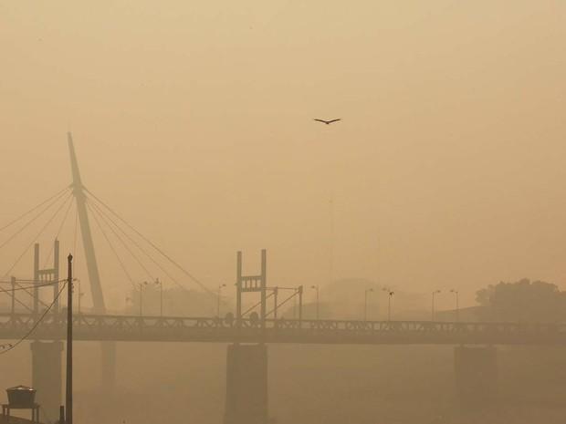 Rio Branco amanheceu coberta por fumaça nesta quarta-feira (24) (Foto: Marcos Vicentti/ Arquivo Pessoal)