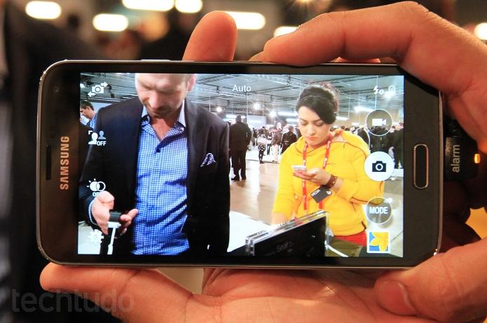 Câmera do S5 causou bug em alguns aparelhos (Foto: Allan Melo/TechTudo)