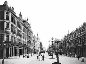 A Avenida Central, atual Rio Branco, no início do séc. XX, após a Reforma Pereira Passos (Foto: Reprodução)