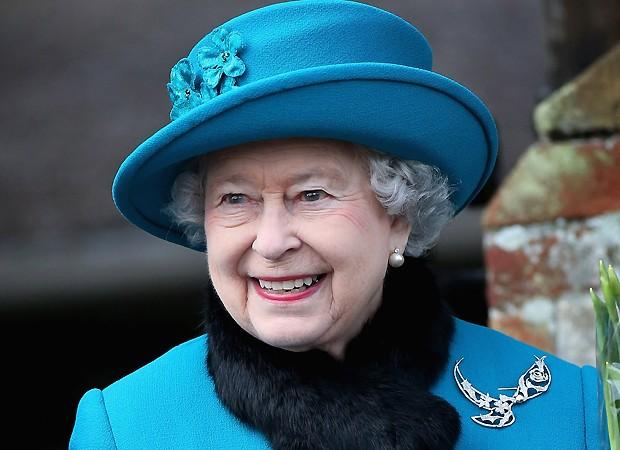 Elizabeth II já quase levou um tiro ao ser confundida com invasor, diz ex-guarda