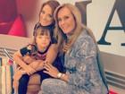 Ticiane Pinheiro ganha visita da mãe e da filha no programa: 'Amores'