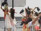 Musas são-paulinas Cacau, Simone Sampaio e Mônica Apor ensaiam pela Dragões da Real