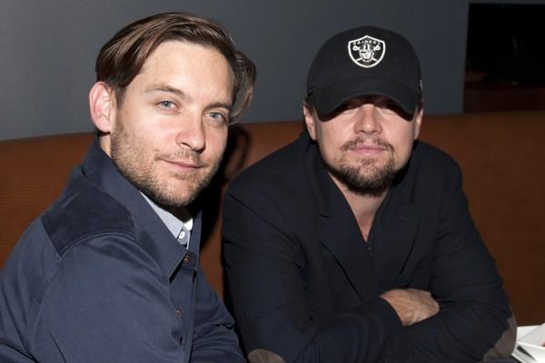 Leonardo DiCaprio e Tobey Maguire são amigos há praticamente 25 anos. Eles se conheceram ainda adolescentes, nos anos 80, enquanto faziam testes para os mesmos papéis  (Foto: Getty Images)