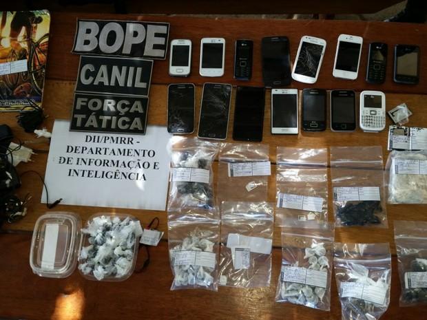 Trabalho de investigação dentro da Penitenciária resultou em apreensões de celulares em 2016 (Foto: Dicap/Divulgação)