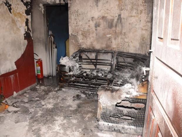 Incêndio destrói apartamento na Vila Esperança, em Sorocaba (Foto: Arquivo Pessoal/Júlio Leite)