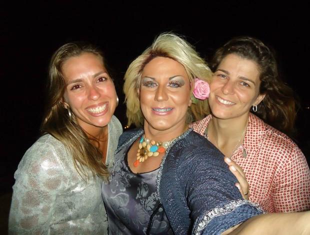 Scarllet Anima festa noivado larissa e lili volei de praia (Foto: Reprodução/Facebook)