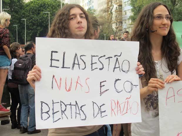 Homens também participaram e deram apoio à Marcha das Vadias em São Paulo (Foto: Julia Basso Viana/G1)