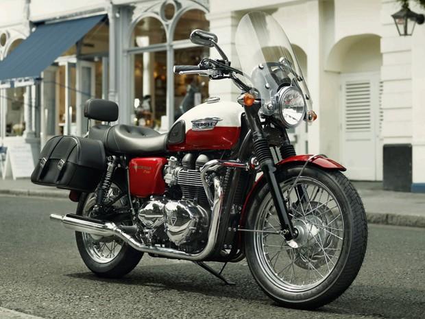 Triumph Bonneville T100 (Foto: Divulgação)