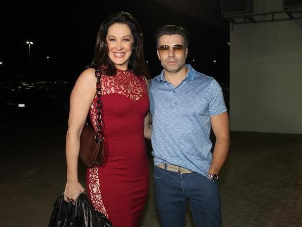 Claudia Raia com o namorado, Jarbas Homem de Mello, em show no Rio (Foto: Manuela Scarpa/ Foto Rio News)