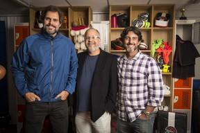 Emanuel Jacobina (ao centro) com os diretores Leonardo Nogueira e Adriano Melo (Foto: Globo/João Miguel Júnior)