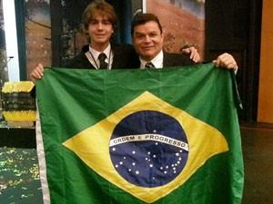 Ivan com o professor Ronaldo (Foto: Divulgação)