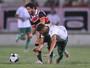 Com dificuldades, Santa Cruz aposta em futebol ofensivo e bate América-PE