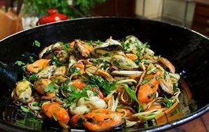 Fettuccine com marisco ao molho de salsa verde: receita de Olivier Anquier