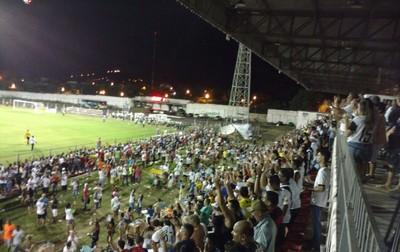 Torcedores lotam estádio Arthur Marinho em Corumbaense x Costa Rica-MS (Foto: Carlos da Cruz/TV Morena)