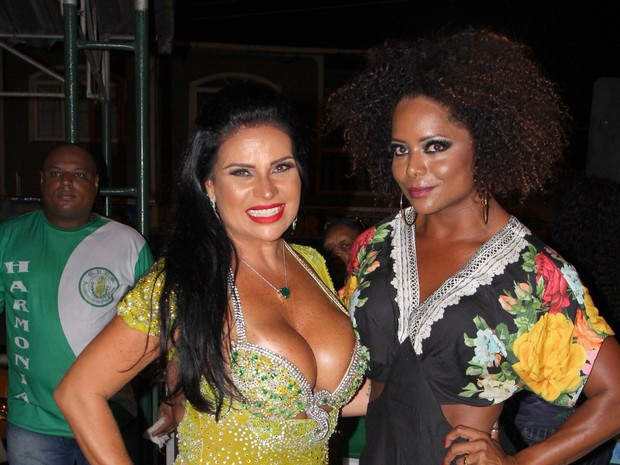 Solange Gomes e Adriana Bombom em noite de samba no Rio (Foto: William Oda/ Ag. News)