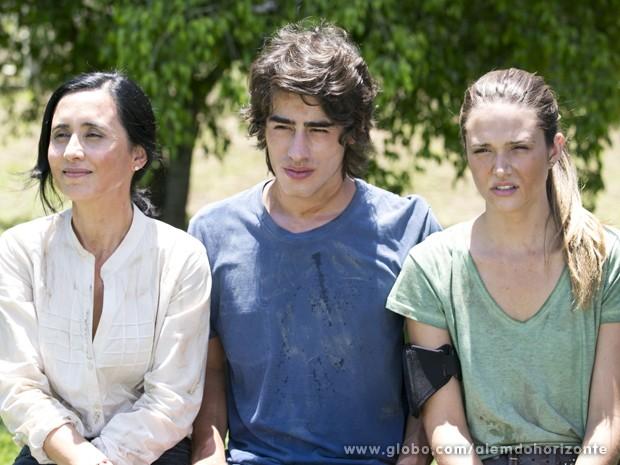 Berenice, Rafa e Lili completam a prova e agora aguardam os outros membros (Foto: Felipe Monteiro/TV Globo)