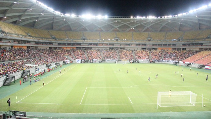 Arena da Amazônia recebeu mais de 8 mil pessoas nesta quarta-feira (Foto: Marcos Dantas)
