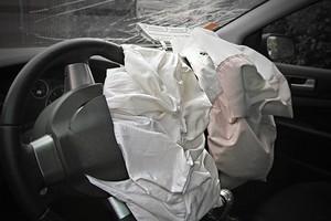 Falha em airbags leva cerca de 50 mil carros a recall (Foto: Thinkstock)