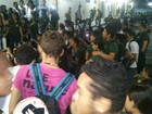 Alunos e professores protestam após assalto (Divulgação/Polícia Militar)