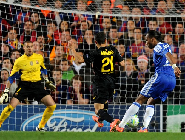 drogba gol chelsea x barcelona (Foto: Getty Images)