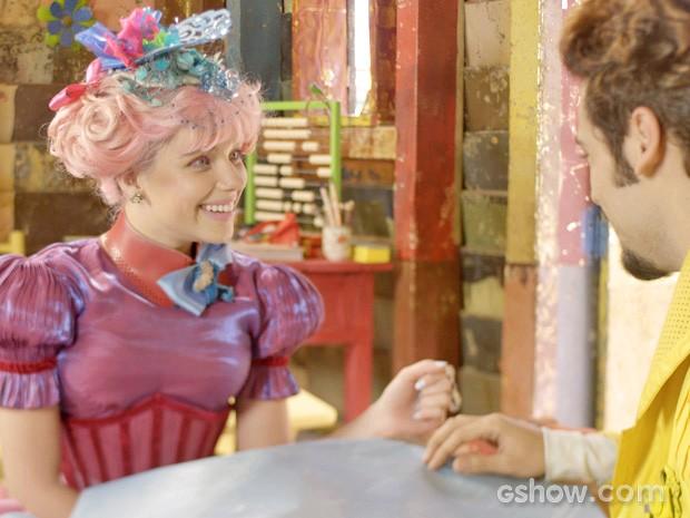 Juliana está apaixonada... (Foto: Meu Pedacinho de Chão/TV Globo)
