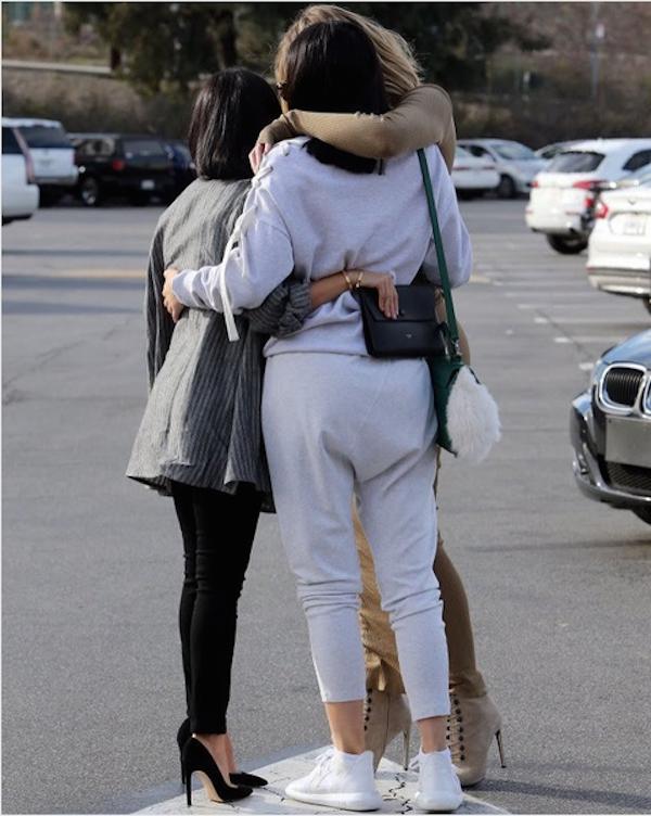 A celebridade Kourtney Kardashian com as irmãs Khloé Kardashian e Kylie Jenner (Foto: Instagram)