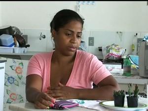 Mãe reclama da distância entre a creche e a casa da família (Foto: Reprodução/TV TEM)