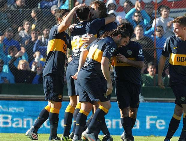 Jogadores do Boca cumprimentam Schavi (Foto: Reprodução / Olé)