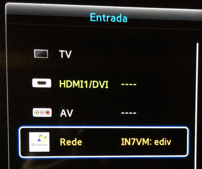 Selecionando o PC na lista de Entradas de uma TV Samsung (Foto: Reprodução/Edivaldo Brito)