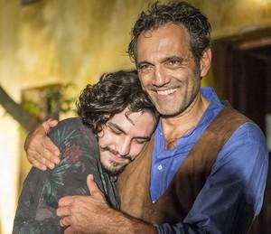 Gabriel Leone e Domingos Montagner são Miguel e Santo em 'Velho Chico' (Foto: Renato Rocha Miranda/ Globo)