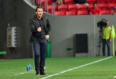 Técnico Sérgio Vieira no Atlético-PR (Foto: Site oficial do Atlético-PR/Gustavo Oliveira)